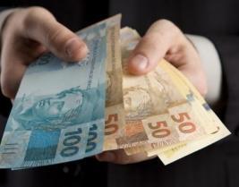 Justiça determina devolução de honorários por corretor sem registro no CRECI